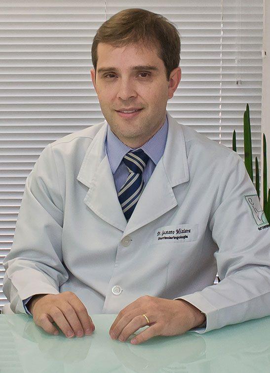 https://www.clinicacotta.com.br/site/cotta/wp-content/uploads/2019/05/dr-gustavo-2-547x755.jpg