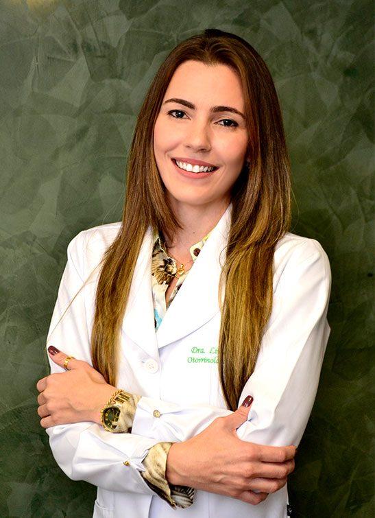 https://www.clinicacotta.com.br/site/cotta/wp-content/uploads/2019/05/dra-livia-2-547x755.jpg